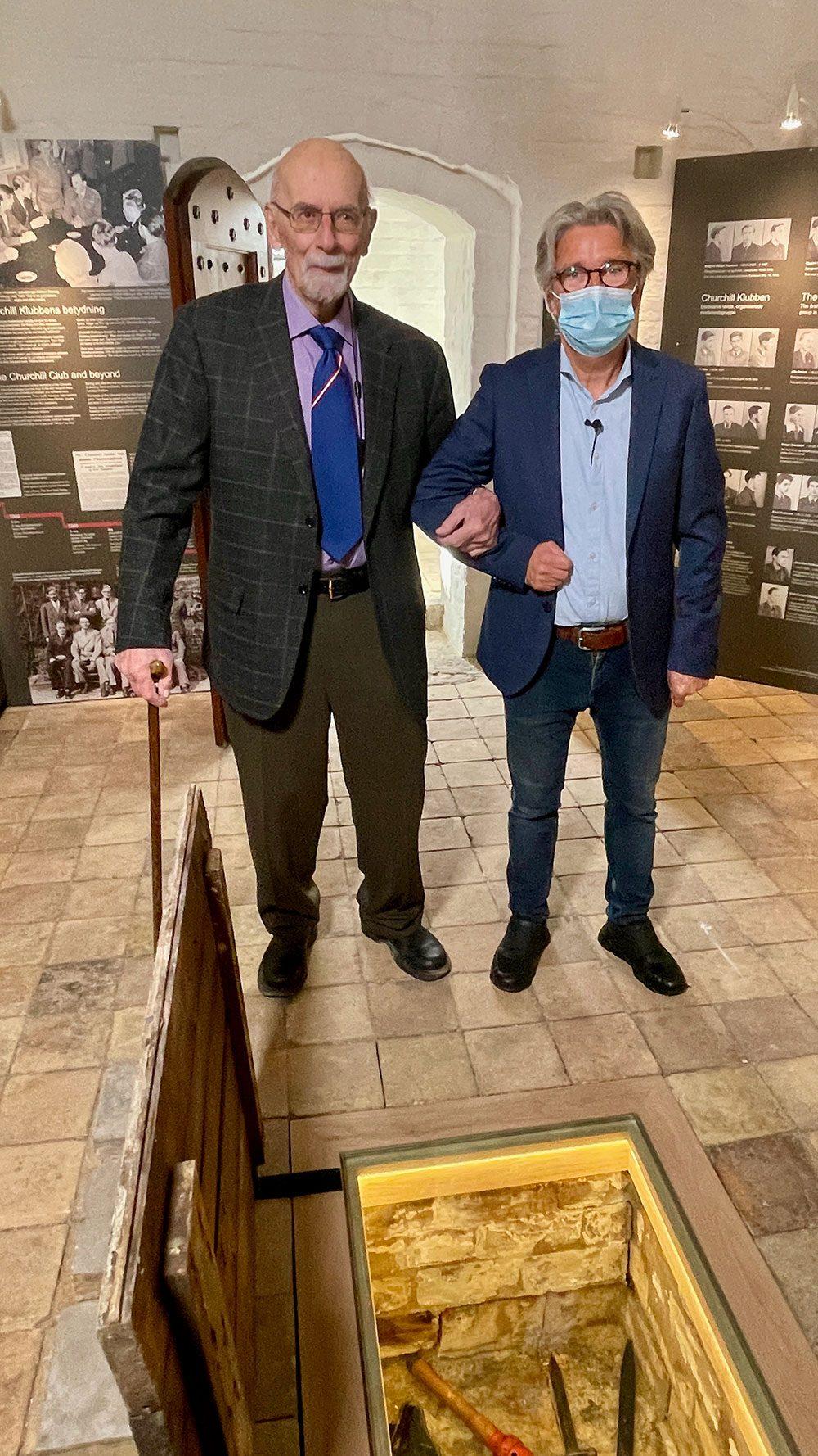 Helge Milo og Mogens Jørgensen i Churchill-udstillingen
